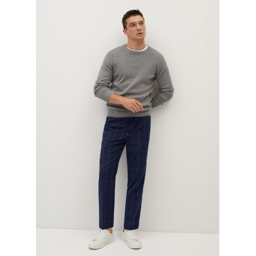 Cut-check-trousers-that-taper-to-the-hem