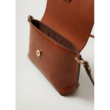 Crossbody-bag-with-flap
