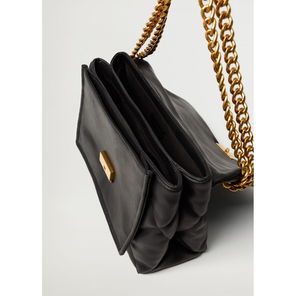 Quilted-bag-with-chain
