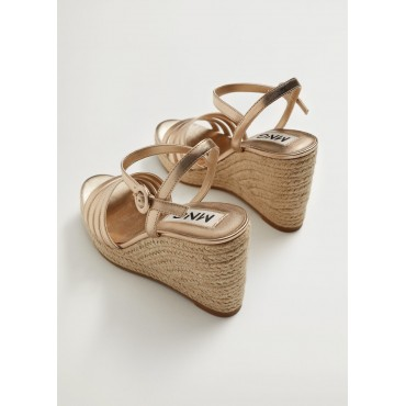 Metallic-strapped-sandals
